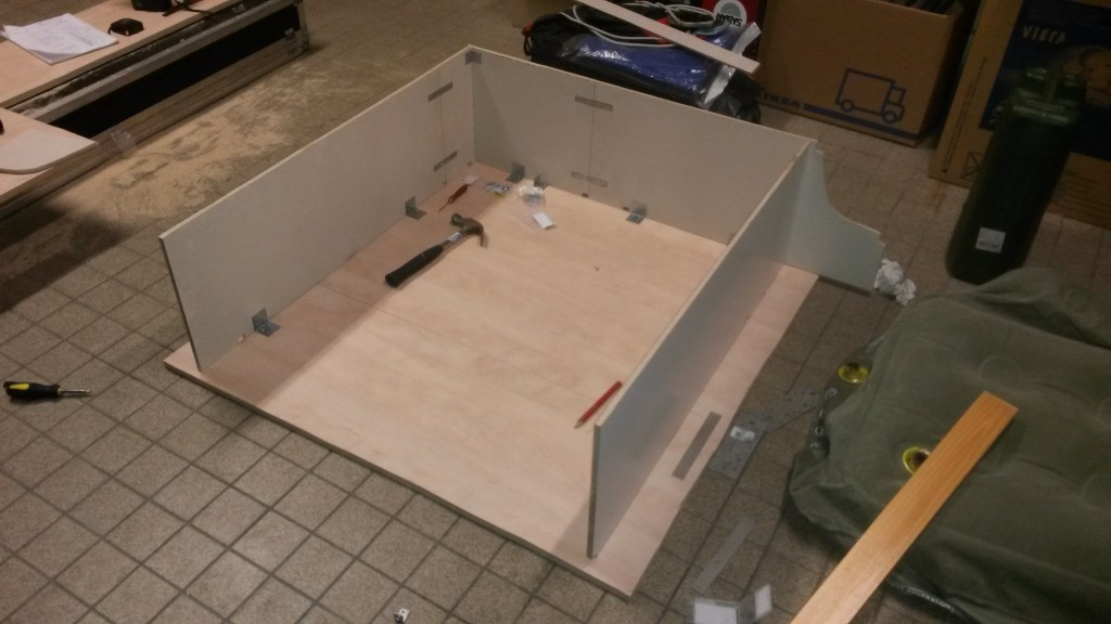 Plateau finished. Now only the drawer(s) left to make.