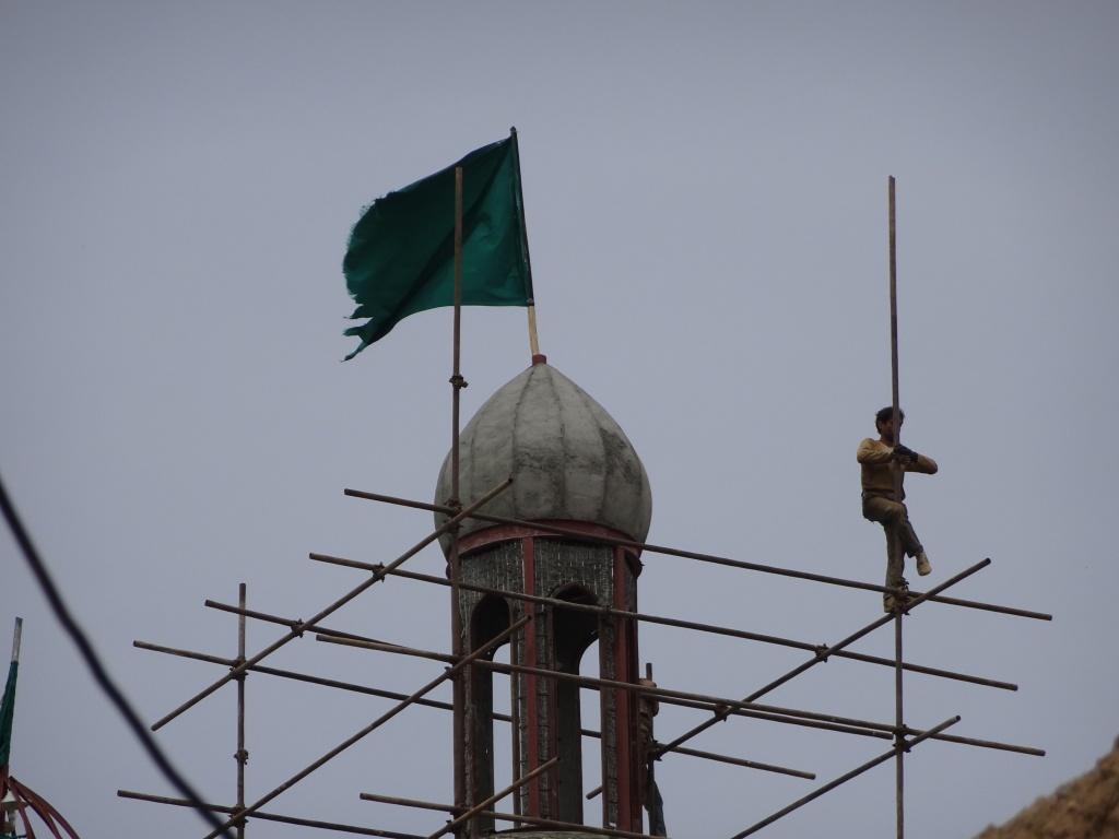 Minaret acrobatics